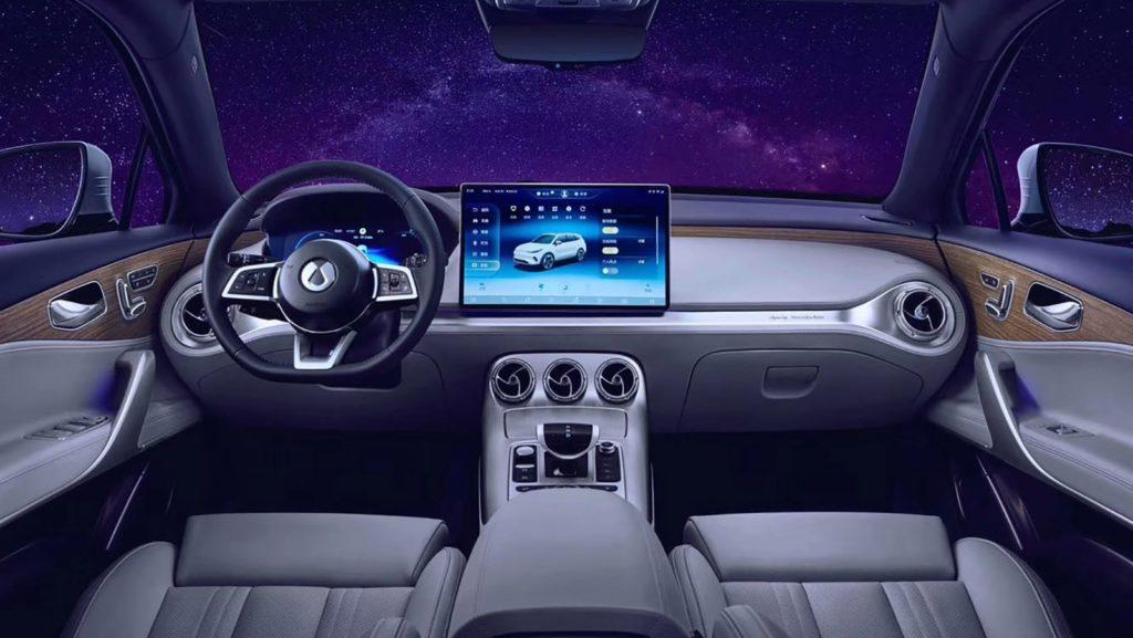 Китайский электрокросс Denza X Electric: Mercedes-Benz во всем, кроме названия