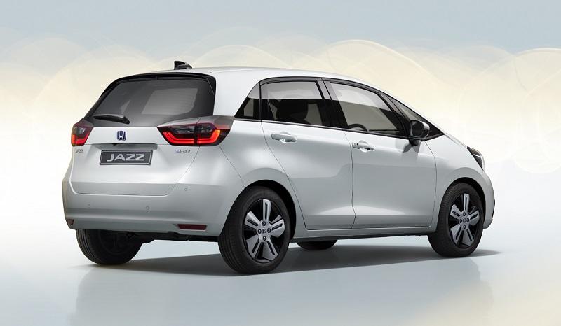 Новая версия Honda Jazz получила гибридный двигатель